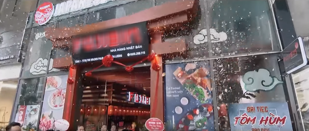 Hạt sạn to không đỡ nổi của Hoa Hồng Trên Ngực Trái chính là màn khai trương nhà hàng Nhật của Khuê - Ảnh 2.
