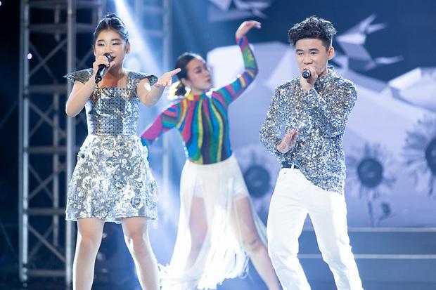 Cặp đôi vàng nhí: Long Nhật nhún nhảy không ngừng khi xem hot boy lai Hàn trình diễn hit Big Bang - Ảnh 9.