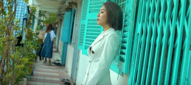 Trong 1 tối Vpop cho ra mắt loạt MV: Dương Hoàng Yến xuyên không, Suboi khoe bụng bầu, Quốc Thiên hát cover còn Đạt G... đi rao bánh mì  - Ảnh 22.