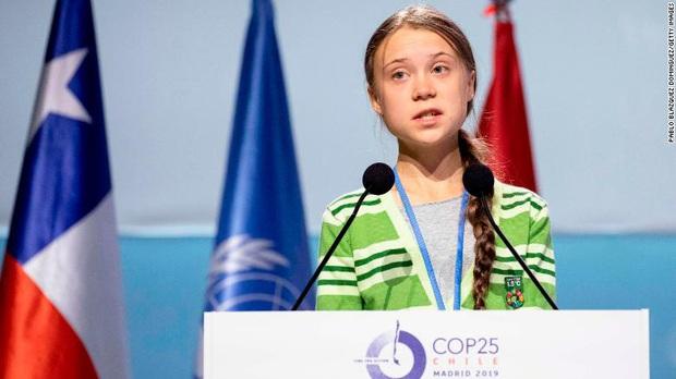 Tổng thống phá rừng Brazil buông lời xúc phạm Greta Thunberg: Loại nhãi con - Ảnh 2.