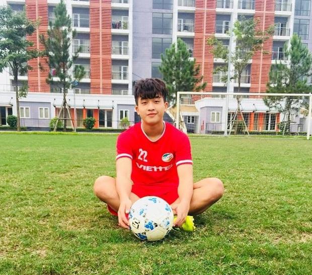 Thầy Park mang dàn cầu thủ U23 sang Hàn Quốc tập huấn: Nhan sắc như này thì cạnh tranh luôn với cả idol Kpop không? - Ảnh 18.