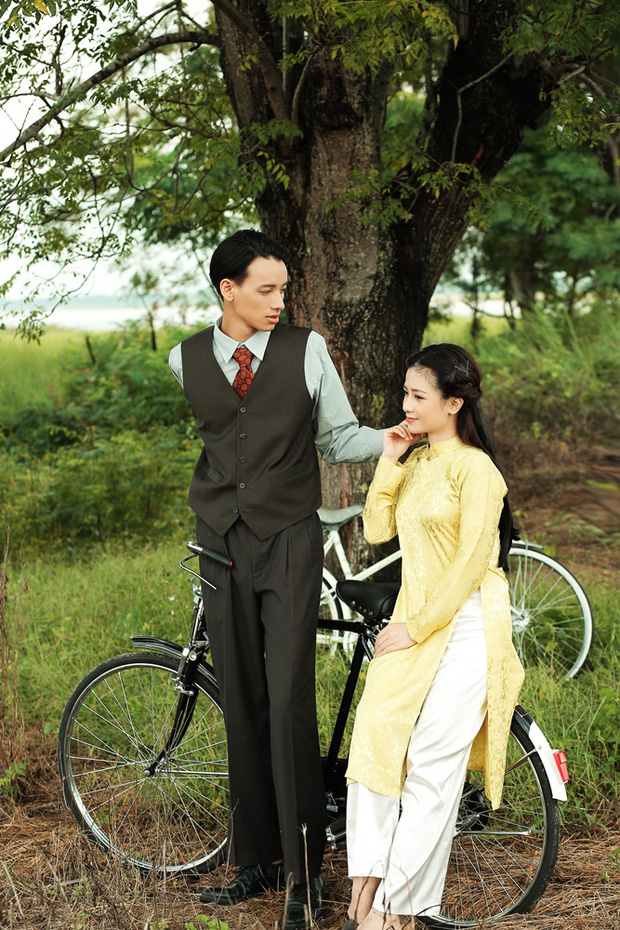 Trong 1 tối Vpop cho ra mắt loạt MV: Dương Hoàng Yến xuyên không, Suboi khoe bụng bầu, Quốc Thiên hát cover còn Đạt G... đi rao bánh mì  - Ảnh 9.