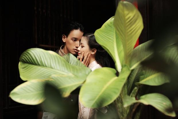 Trong 1 tối Vpop cho ra mắt loạt MV: Dương Hoàng Yến xuyên không, Suboi khoe bụng bầu, Quốc Thiên hát cover còn Đạt G... đi rao bánh mì - Ảnh 15.