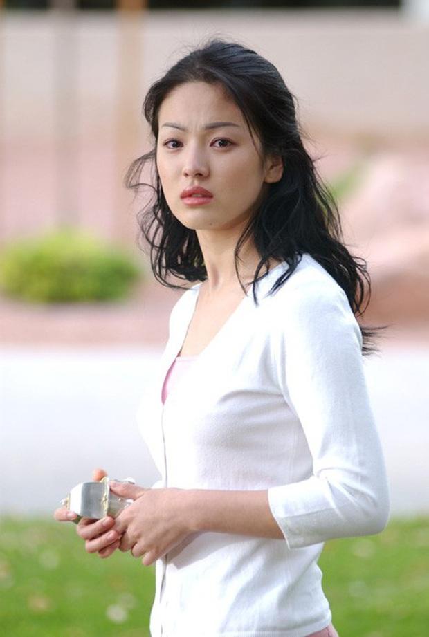 Ngã ngửa khi biết tuổi thật và tuổi trên phim của các cặp sao châu Á: Mẹ con bằng tuổi nhau ngoài đời, cháu bỗng hoá chú - Ảnh 8.