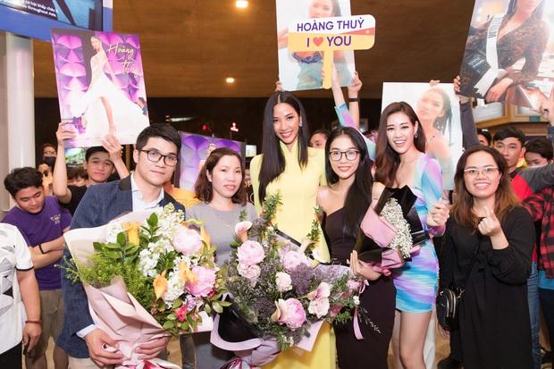Tân Hoa hậu Khánh Vân đón Hoàng Thùy trở về từ Mỹ lúc nửa đêm sau thành tích Top 20 Miss Universe - Ảnh 7.