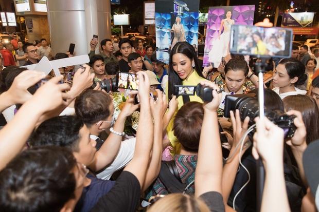 Tân Hoa hậu Khánh Vân đón Hoàng Thùy trở về từ Mỹ lúc nửa đêm sau thành tích Top 20 Miss Universe - Ảnh 11.