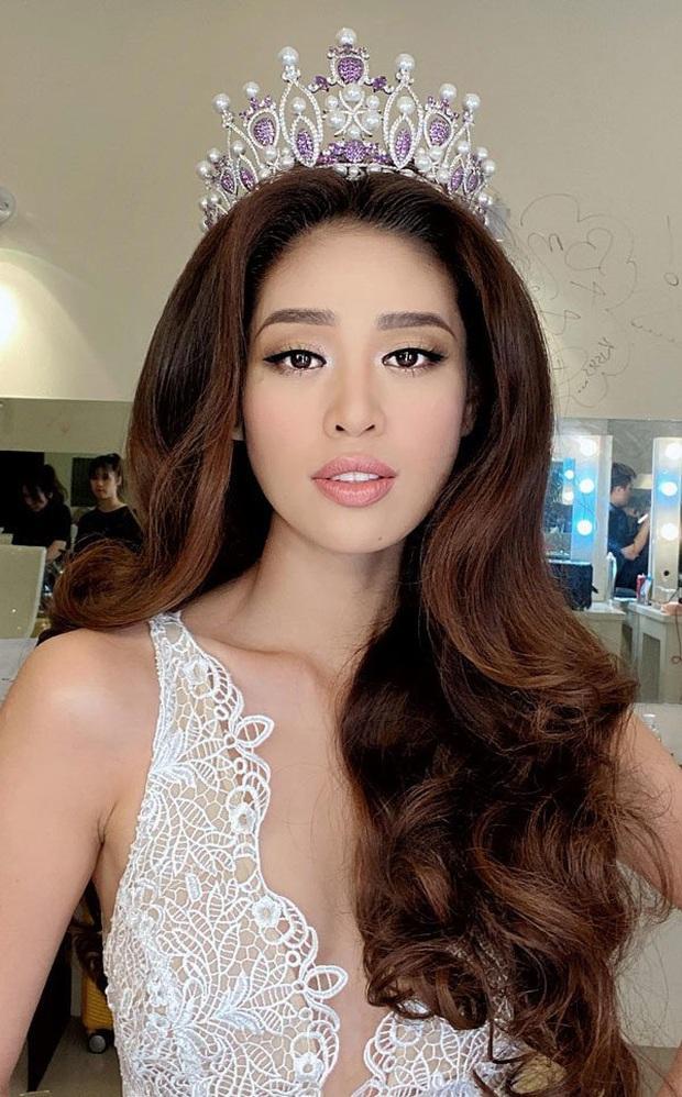 Các thánh soi phát hiện Hoa hậu Khánh Vân làm gãy vương miện chưa đầy 1 tuần sau đăng quang - Ảnh 2.
