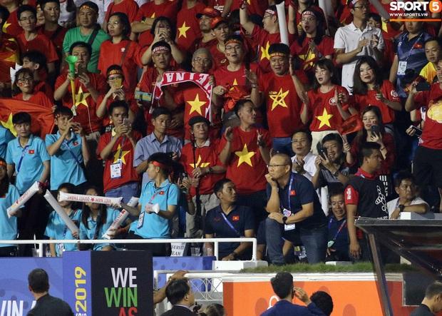 Báo chí Thái Lan mỉa mai kỷ lục thẻ phạt của HLV Park Hang-seo - Ảnh 2.