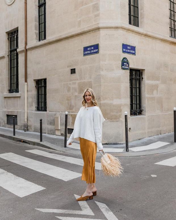 Phụ nữ Pháp diện chân váy theo 5 cách đẹp mê hồn, bạn phải học ngay đi kẻo kết thúc mùa Đông là tiếc nuối - Ảnh 13.