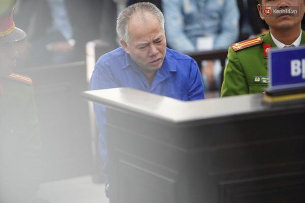 Kẻ truy sát cả nhà em ruột ở Đan Phượng cúi gằm mặt khi bị tuyên án tử hình - Ảnh 31.