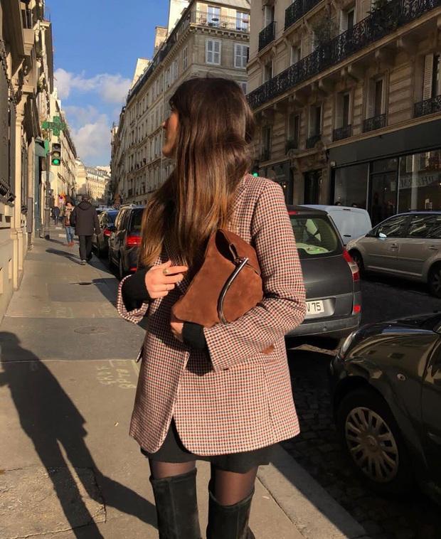 Phụ nữ Pháp diện chân váy theo 5 cách đẹp mê hồn, bạn phải học ngay đi kẻo kết thúc mùa Đông là tiếc nuối - Ảnh 9.