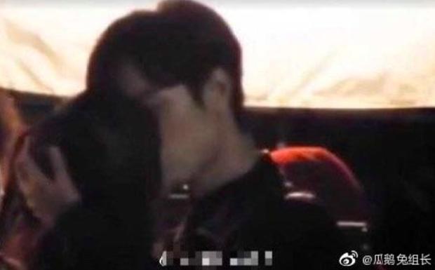 Rộ nghi vấn Dương Tử hẹn hò Lay (EXO), thậm chí còn lộ ảnh ôm hôn đắm đuối? - Ảnh 2.