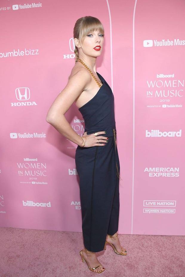 Thảm hồng Billboard: Taylor Swift bị Nicki Minaj xôi thịt lấn át, Billie Eilish style quá lạ bên dàn sao nữ quyền lực - Ảnh 2.
