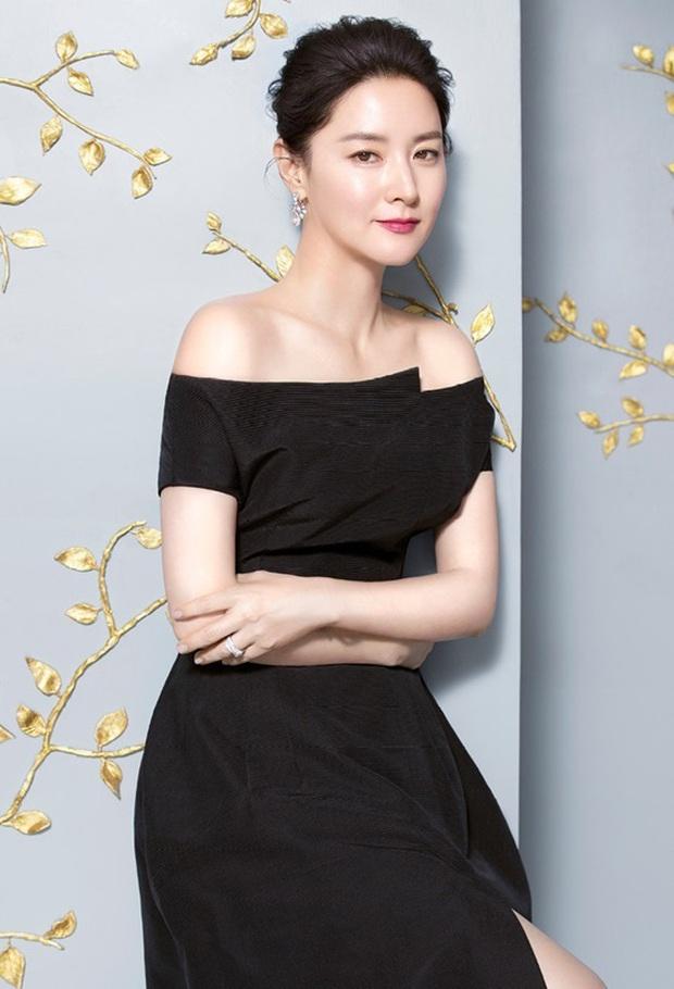 Đúng là chỉ 10 nữ thần huyền thoại này mới cân được thử thách 2 thập kỷ: Song Hye Kyo, mợ chảnh chưa phải đỉnh nhất? - Ảnh 4.