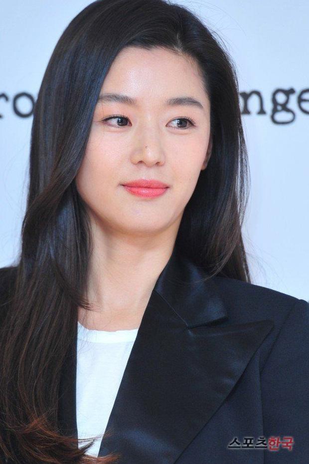 Đúng là chỉ 10 nữ thần huyền thoại này mới cân được thử thách 2 thập kỷ: Song Hye Kyo, mợ chảnh chưa phải đỉnh nhất? - Ảnh 22.
