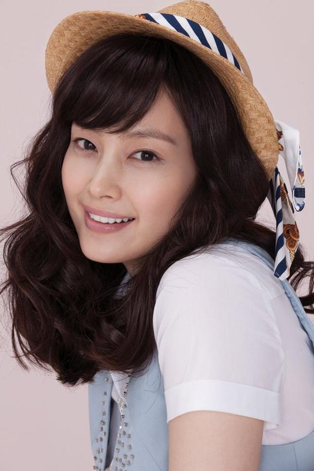 Đúng là chỉ 10 nữ thần huyền thoại này mới cân được thử thách 2 thập kỷ: Song Hye Kyo, mợ chảnh chưa phải đỉnh nhất? - Ảnh 31.