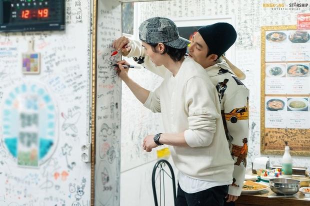 Cặp Yêu tinh – Thần chết tái ngộ trên talkshow của Lee Dong Wook: Visual đẹp ná thở lại còn tình bể bình - Ảnh 8.