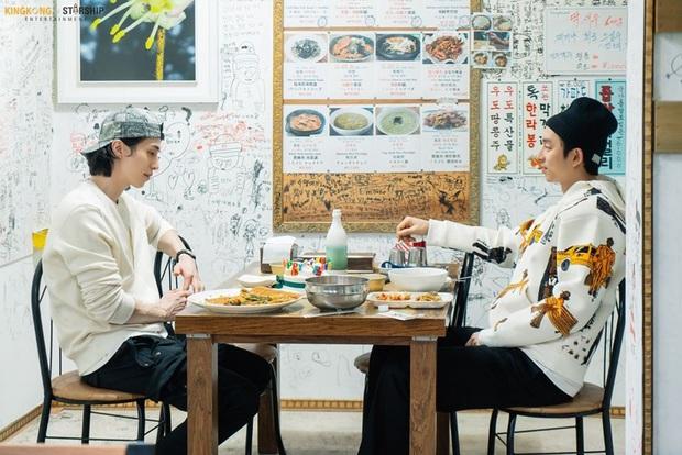 Cặp Yêu tinh – Thần chết tái ngộ trên talkshow của Lee Dong Wook: Visual đẹp ná thở lại còn tình bể bình - Ảnh 6.