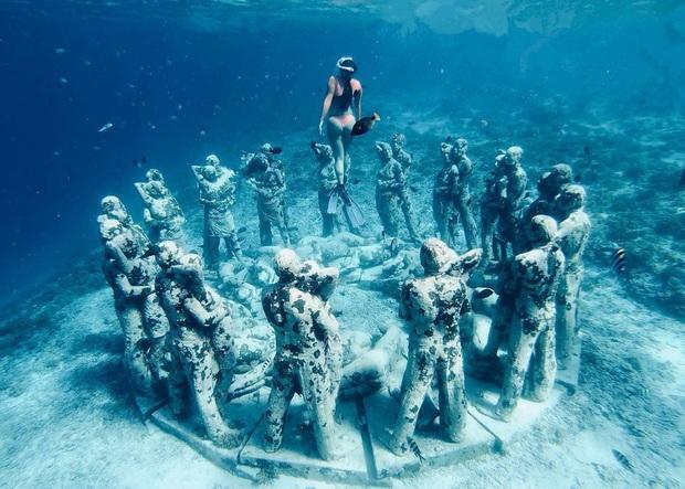 Lặn biển và kết bạn với… những pho tượng, trải nghiệm kỳ lạ chỉ có tại khu vườn điêu khắc dưới đáy đại dương ở Indonesia - Ảnh 17.