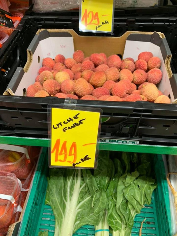 Review đồ ăn Việt ở nước ngoài: hoa quả vừa đắt lại vừa hiếm, các món bún phở giá cao ngất ngưởng mà chất lượng thì hên xui - Ảnh 5.