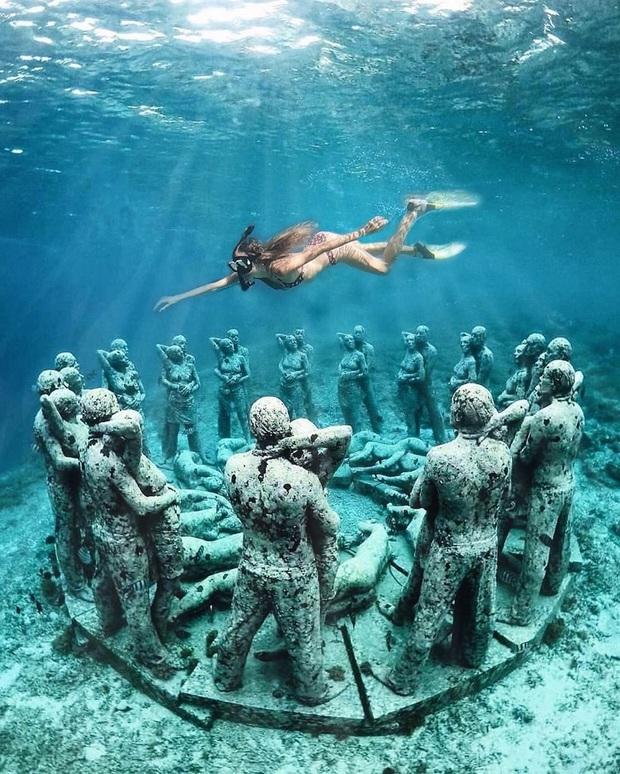 Lặn biển và kết bạn với… những pho tượng, trải nghiệm kỳ lạ chỉ có tại khu vườn điêu khắc dưới đáy đại dương ở Indonesia - Ảnh 15.