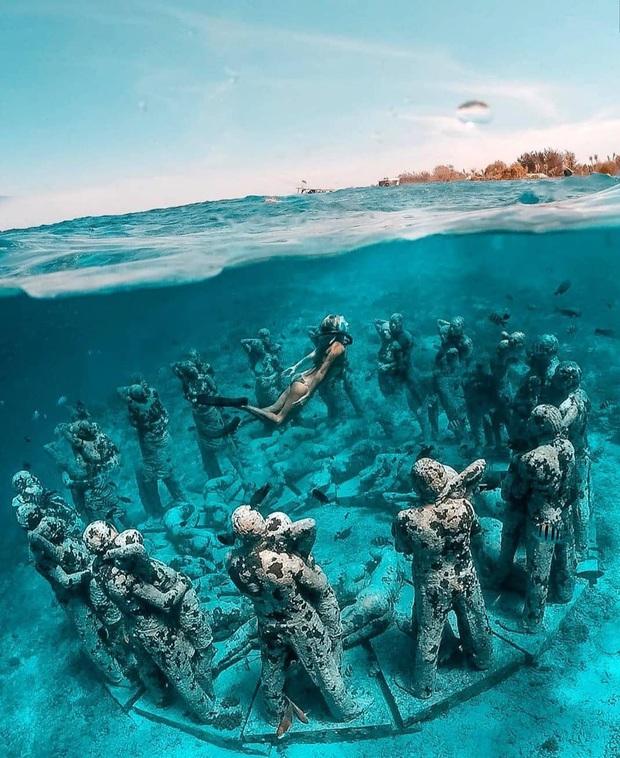 Lặn biển và kết bạn với… những pho tượng, trải nghiệm kỳ lạ chỉ có tại khu vườn điêu khắc dưới đáy đại dương ở Indonesia - Ảnh 19.
