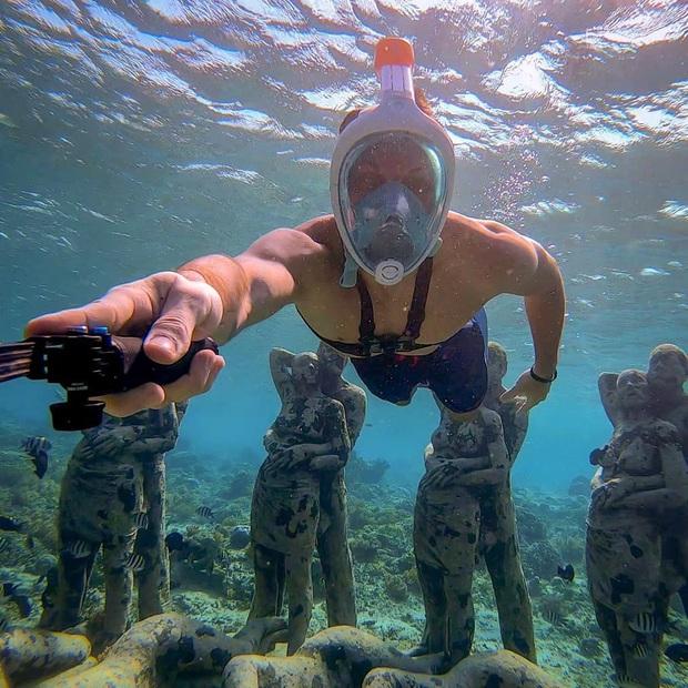 Lặn biển và kết bạn với… những pho tượng, trải nghiệm kỳ lạ chỉ có tại khu vườn điêu khắc dưới đáy đại dương ở Indonesia - Ảnh 14.