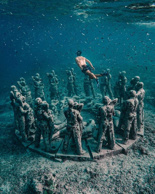 Lặn biển và kết bạn với… những pho tượng, trải nghiệm kỳ lạ chỉ có tại khu vườn điêu khắc dưới đáy đại dương ở Indonesia - Ảnh 8.