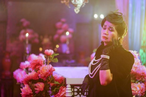 Sau loạt drama ồn ào với Thanh Bạch, Xuân Hương bất ngờ hóa thân thành bà Phó Đoan mang Số Đỏ vào MV mới của Jun Phạm! - Ảnh 3.