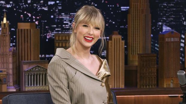 Chị Rắn Taylor Swift: Sáng tác cho lắm rồi quên lời tùm lum, đến hit của mình cũng không nhận ra luôn? - Ảnh 2.