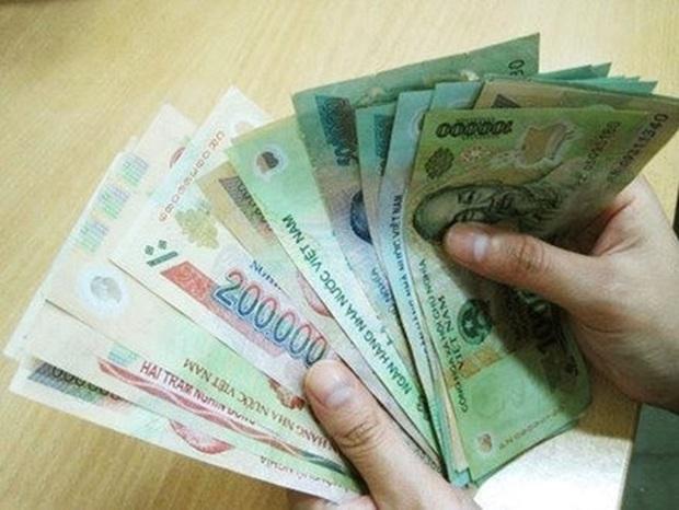 Từ 2021, lương của chồng có thể được chuyển thẳng vào tài khoản vợ - Ảnh 1.