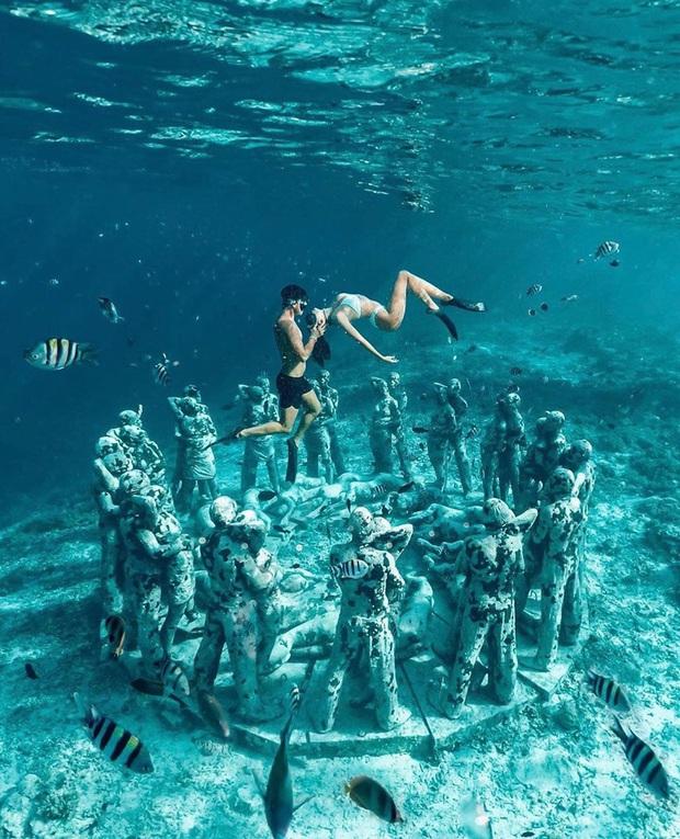 Lặn biển và kết bạn với… những pho tượng, trải nghiệm kỳ lạ chỉ có tại khu vườn điêu khắc dưới đáy đại dương ở Indonesia - Ảnh 3.