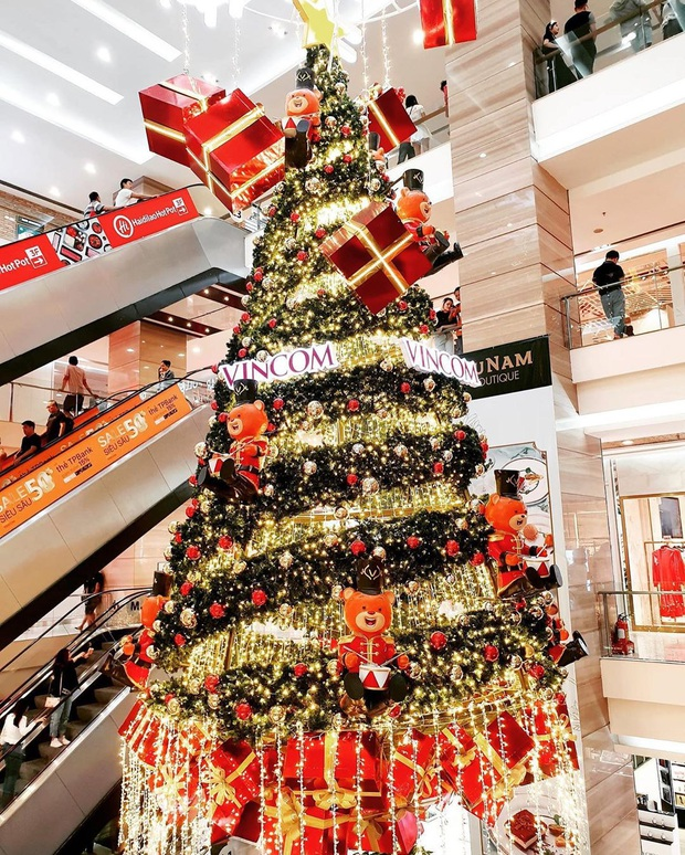 5 trung tâm thương mại Sài Gòn được trang hoàng Giáng sinh siêu lộng lẫy, giới trẻ rủ nhau lên đồ check-in hốt hình Noel sớm - Ảnh 18.