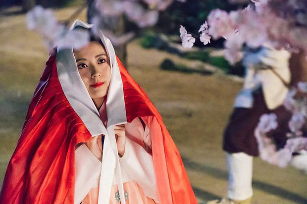 """Từ Kim Tae Hee đến """"cựu sao nhí"""" Kim So Hyun đều xinh truỵ tim ở tạo hình cổ trang phim Hàn - Ảnh 10."""