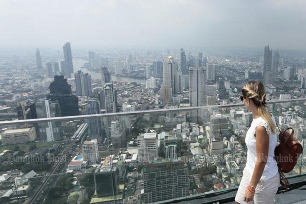 Bangkok lần đầu tiên vào nhóm 50 thành phố đắt đỏ nhất thế giới - Ảnh 1.