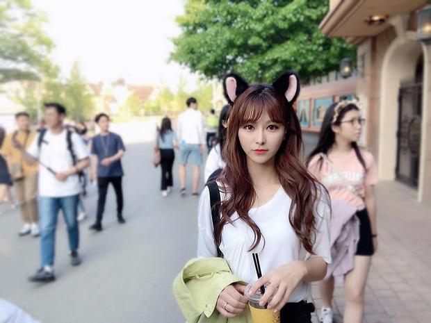 Say đắm với nhan sắc cô nàng thánh nữ MC Kim Su-hyeon của LCK - Ảnh 8.
