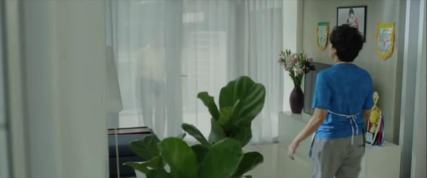 Anh trai yêu quái Kiều Minh Tuấn bị hói già Tiến Luật cưỡng hôn ở parody MV gây sốt của chị Mỹ Tâm - Ảnh 5.