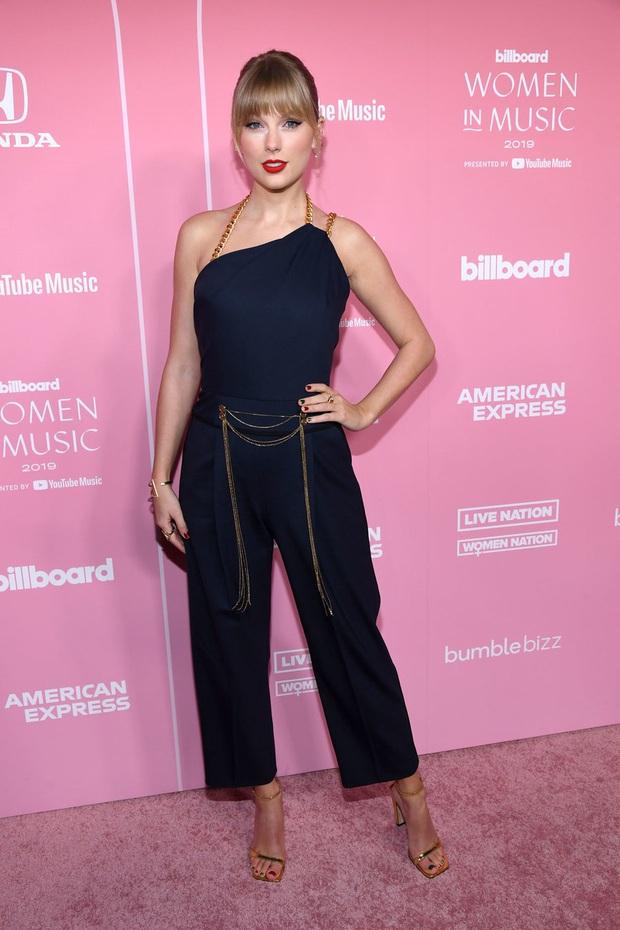 Thảm hồng Billboard: Taylor Swift bị Nicki Minaj xôi thịt lấn át, Billie Eilish style quá lạ bên dàn sao nữ quyền lực - Ảnh 1.