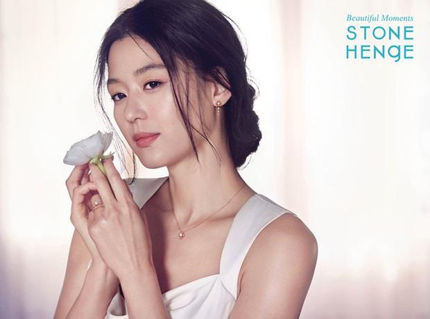 Đúng là chỉ 10 nữ thần huyền thoại này mới cân được thử thách 2 thập kỷ: Song Hye Kyo, mợ chảnh chưa phải đỉnh nhất? - Ảnh 23.