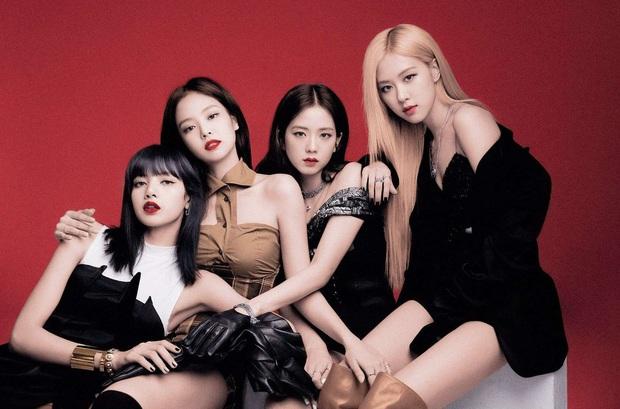 Loạt sân khấu có outfit gây bão của Jisoo (BLACKPINK): Phô diễn thần thái khi thực hiện vũ đạo, giúp chính chủ all-kill mọi concept từ girlcrush tới bánh bèo - Ảnh 1.