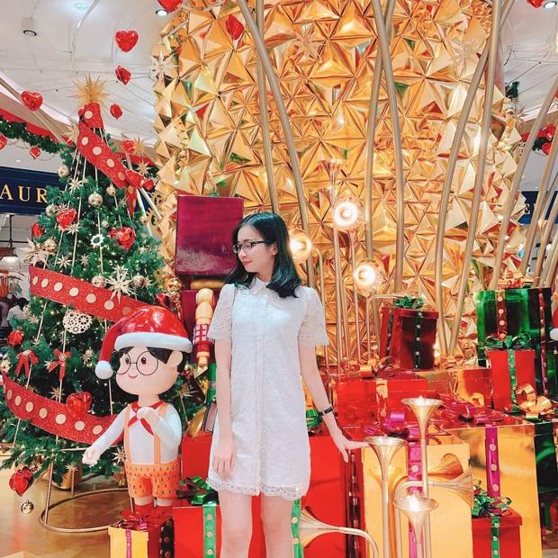 5 trung tâm thương mại Sài Gòn được trang hoàng Giáng sinh siêu lộng lẫy, giới trẻ rủ nhau lên đồ check-in hốt hình Noel sớm - Ảnh 1.