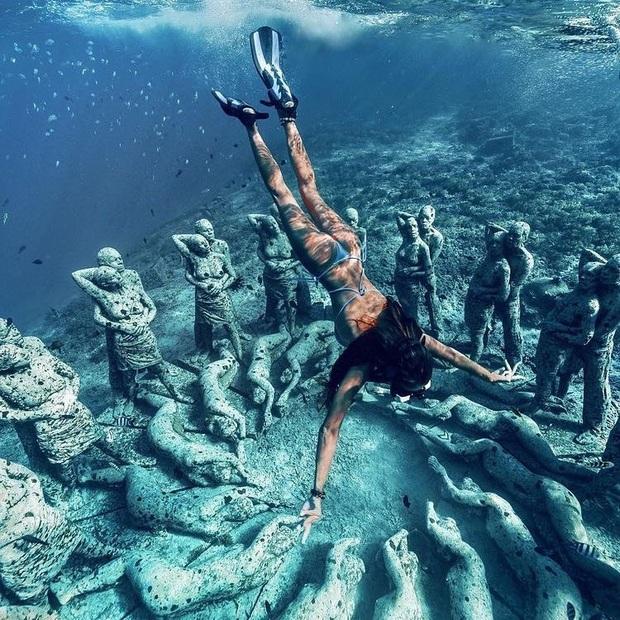 Lặn biển và kết bạn với… những pho tượng, trải nghiệm kỳ lạ chỉ có tại khu vườn điêu khắc dưới đáy đại dương ở Indonesia - Ảnh 5.