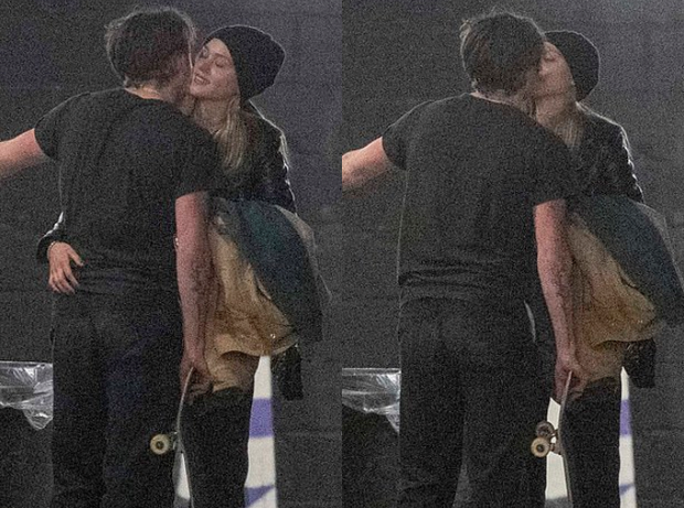 Nhập nhằng với cả tá bạn gái tin đồn, Brooklyn Beckham chỉ trao nụ hôn cho mỹ nhân Transformers nóng bỏng - Ảnh 2.
