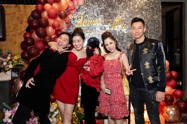 Em trai Á hậu Huyền My lại chiếm spotlight vì quá điển trai, đến mức diễn viên Phương Oanh cũng không thể ngồi yên! - Ảnh 1.