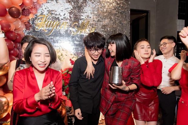 Em trai Á hậu Huyền My lại chiếm spotlight vì quá điển trai, đến mức diễn viên Phương Oanh cũng không thể ngồi yên! - Ảnh 4.