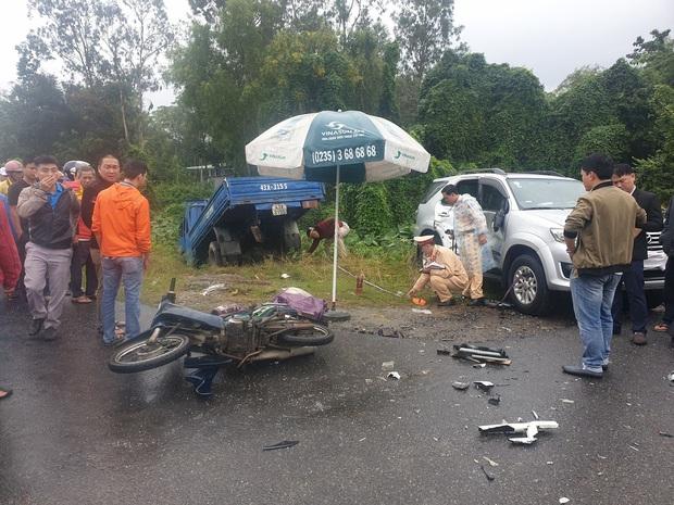 Nam sinh lớp 7 chết thảm trên đường đi học, cha và em nguy kịch sau tai nạn liên hoàn - Ảnh 1.
