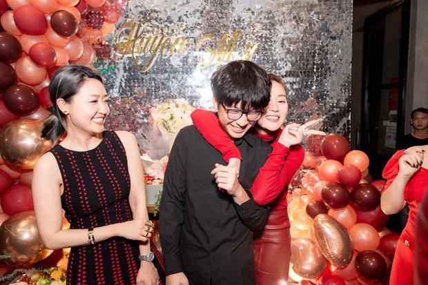 Em trai Á hậu Huyền My lại chiếm spotlight vì quá điển trai, đến mức diễn viên Phương Oanh cũng không thể ngồi yên! - Ảnh 3.