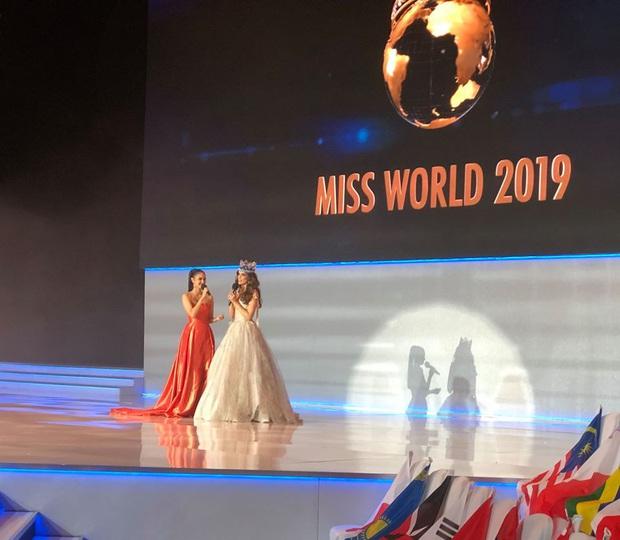 Không thi bikini, Miss World cho dàn thí sinh cosplay siêu nhân điện quang trong phần công bố Top 40? - Ảnh 2.