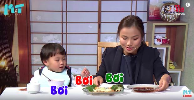 Quỳnh Trần JP réo tên Trấn Thành ngay trong lần đầu ăn thử đuông dừa trên truyền hình, loạt biểu cảm của bé Sa trước món này khiến fan cười ngất - Ảnh 11.