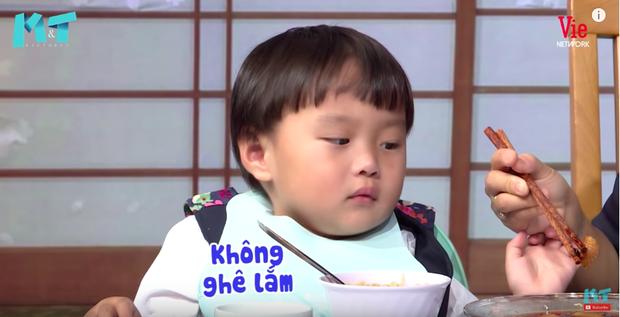Quỳnh Trần JP réo tên Trấn Thành ngay trong lần đầu ăn thử đuông dừa trên truyền hình, loạt biểu cảm của bé Sa trước món này khiến fan cười ngất - Ảnh 15.